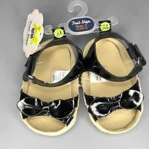 First Steps Size 2 (3-6months) Black Sandal w/bow